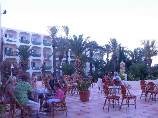 Hill Diar Hotel: nice area