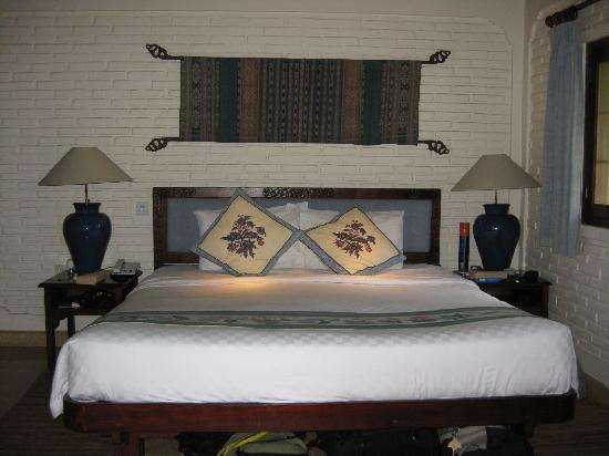 Poppies Bali: The comfortable bed!
