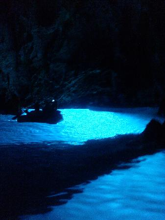 Villa Kamenica: The amazing blue cave of Bisevo