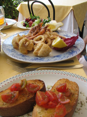 Atrani, Włochy: Local seafood.