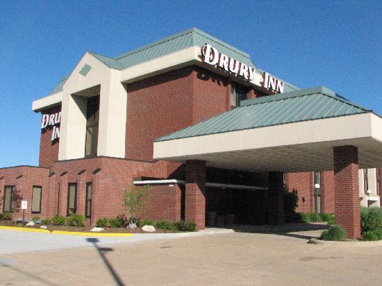 Drury Inn & Suites St. Louis Fenton: Hotel Exterior