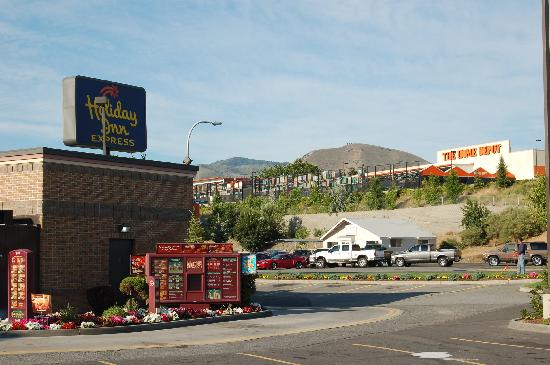 Holiday Inn Express Wenatchee: nearby Wendy's