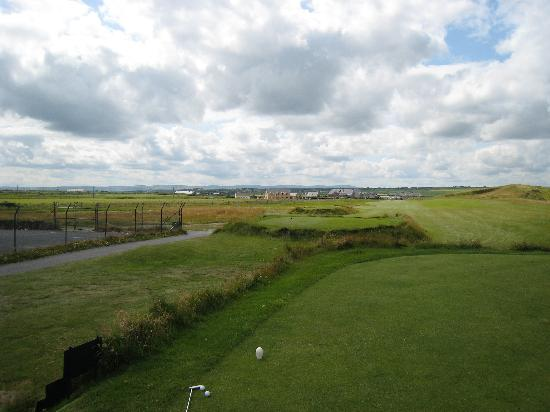 The 19th Lodge: The lodge from the 1st tee-Cashen course