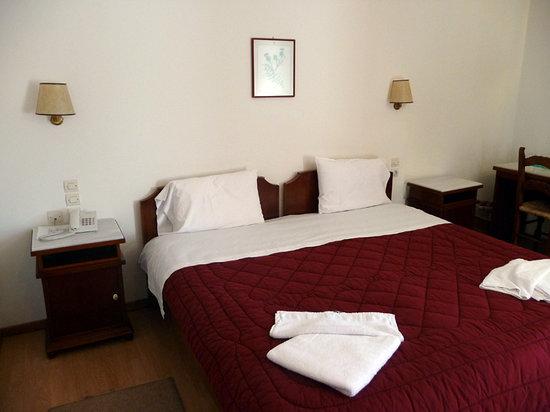 Hotel Pelops: Hotel room