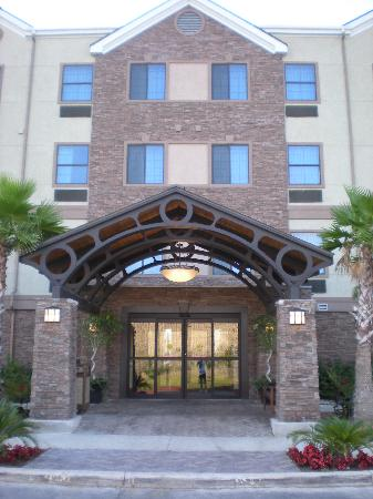Staybridge Suites San Antonio NW near Six Flags Fiesta Texas: Hotel Entry