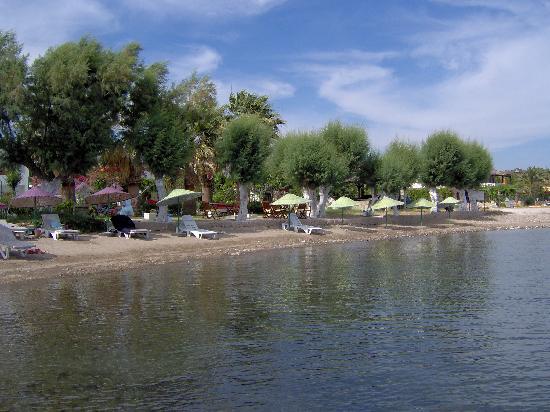 Yılmaz Hotel: The small beach
