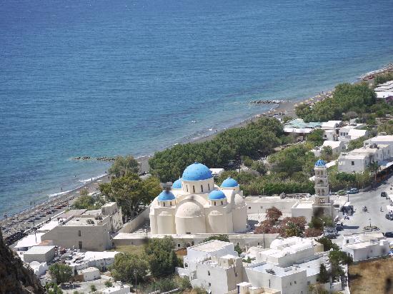 Irigeneia Hotel : Perissa Beach, view from the mountain
