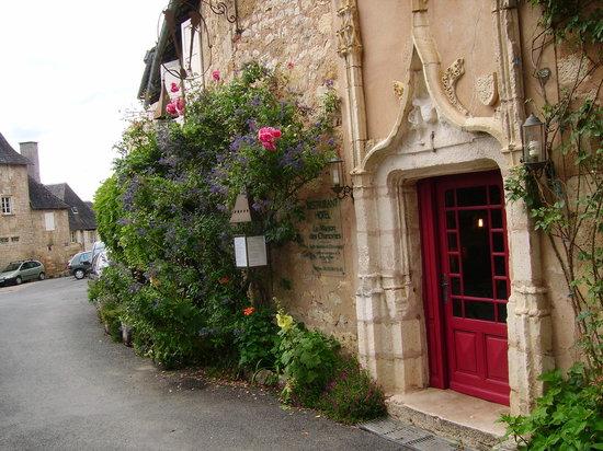 Turenne, France: La Maison des Chanoines