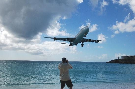 Villas on Great Bay: Airbus 340 flaring