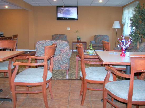 The Econo Lodge Milwaukee Airport Hotel: Lobby area