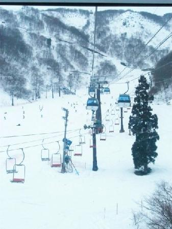 Hotel Stelle Belle : Chair lifts at Hakuba Goryu
