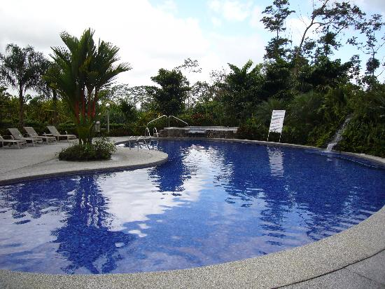 Hotel Villas Vilma: Pool and jacuzzi