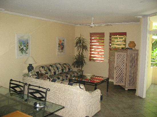 Oasis at Palm Cove: Main room