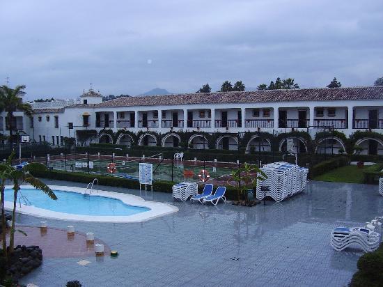 San Pedro de Alcantara Spain  city photos gallery : San Pedro de Alcantara, Spain: piscina 2