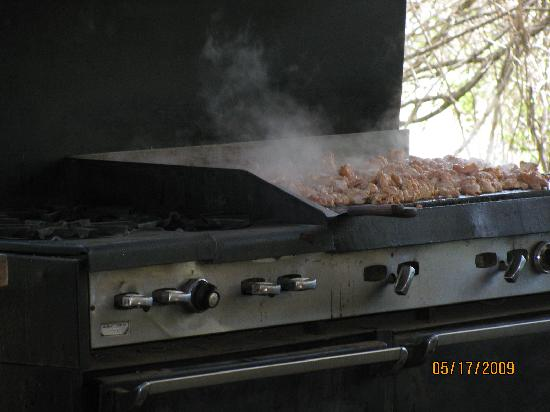 Kings River Expeditions: Can you smell the chicken? mmmmm