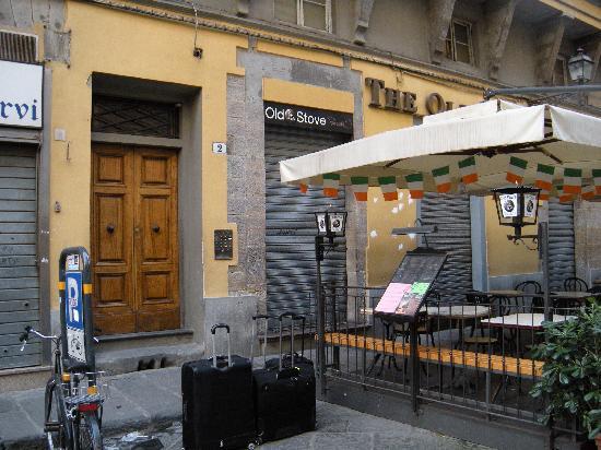 Relais Cavalcanti: The door to the hotel