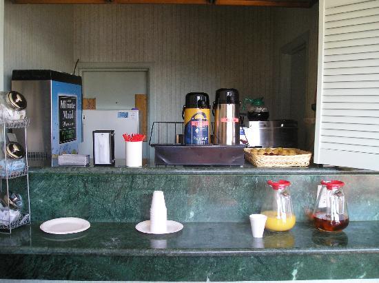 City Center Inn & Suites - San Francisco: continental breakfast