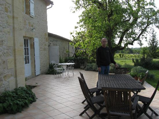 Domaine de Barrouil: the patio