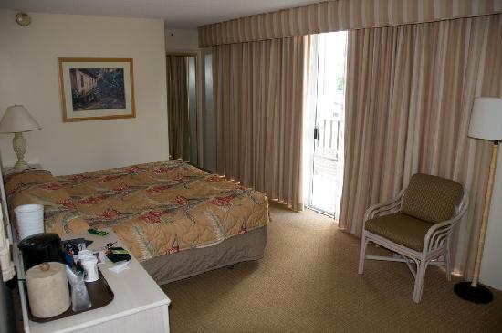 Ohana Waikiki East Hotel Room