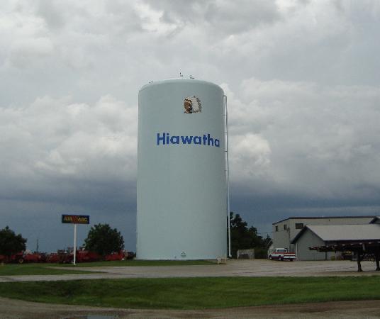 Hiawatha, KS: Water tower