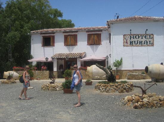 Hotel Rural La Paloma: front of hotel