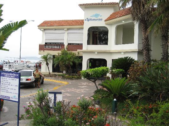 Aguamarina Hotel: hotel drecha