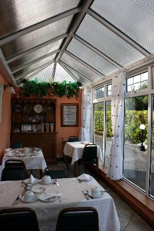 The Purple Heather : Wonderful sunroom where we ate a lovely breakfast