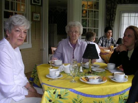 Cameron Estate Inn & Restaurant : Breakfast, the best part