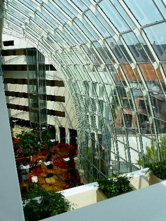 Ghent Marriott Hotel: the atrium as seen from the 4th floor
