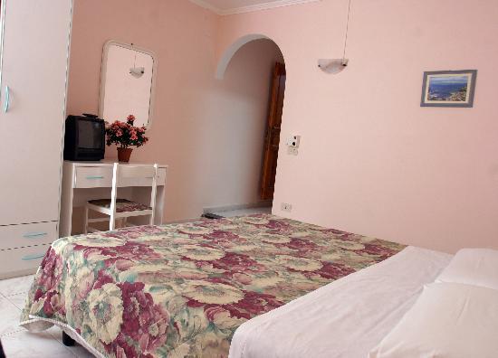 Hotel Da Raffaele: camera