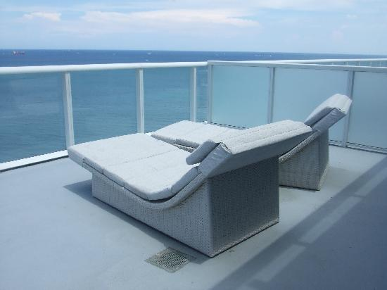 W Fort Lauderdale Lounge Chairs On Balcony