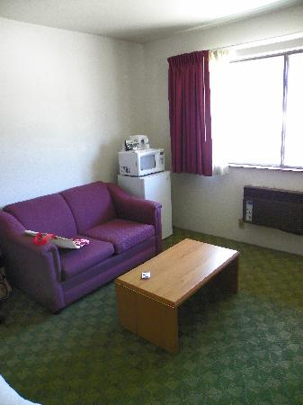 Howard Johnson Express Inn - Leavenworth: Sitting Area