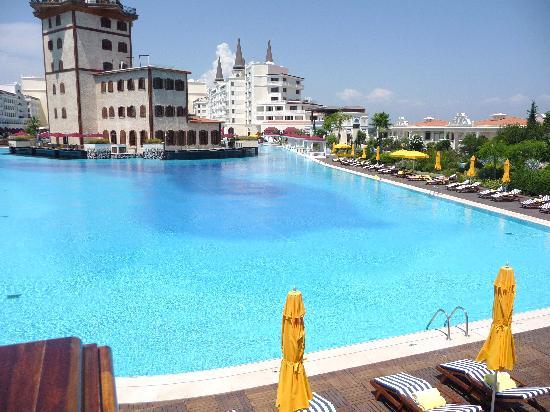 Mardan Palace: piscine