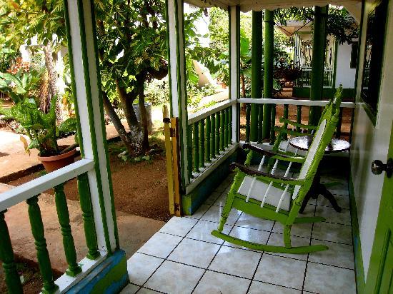Hotel Los Delfines: Porch