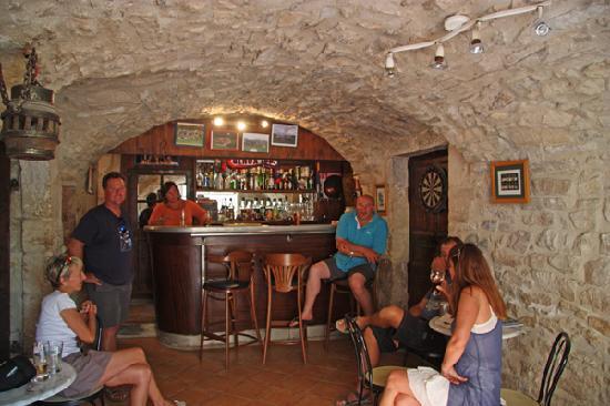 Auberge Le Chardon: The Chardon bar