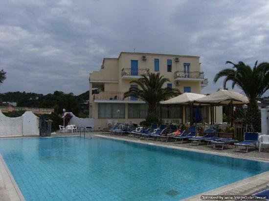 Hotel San Vito: Piscina esterna