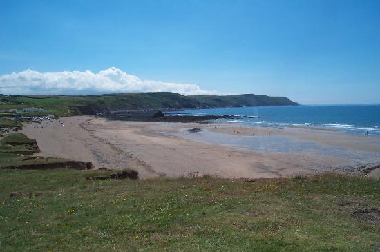 Trerosewill Farmhouse: OUR BEACH (UP THE ROAD!!)