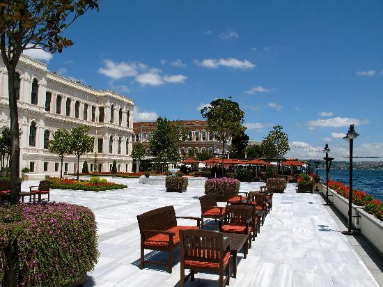 Four Seasons Istanbul at the Bosphorus: Aqua