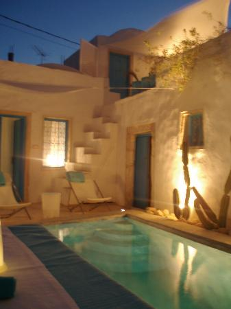 Erriadh, Tunisien: Romantic dinners by the pool