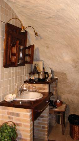 Le Paquerie: Part of the bath area