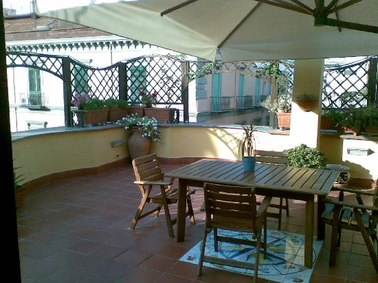 Re di Napoli Bed : Terrace with view into streets, to the sea, and to churches