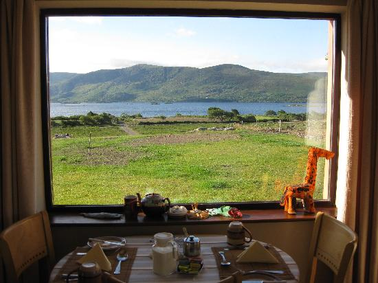 Currane Lodge: View we had for breakfast