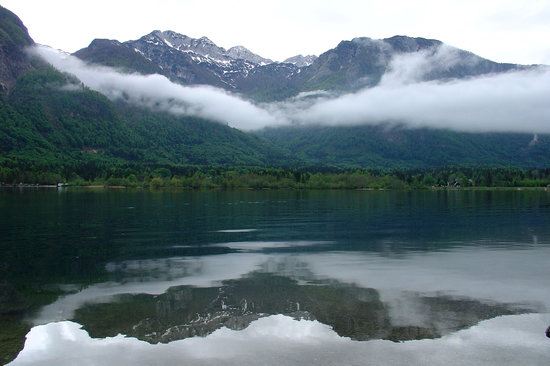 博希尼湖照片