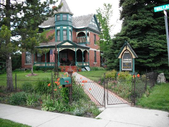 Bozeman's Lehrkind Mansion Bed and Breakfast: The Lehrkind Mansion late June 2009
