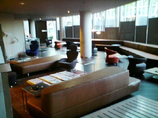 B-Hotel: Lobby