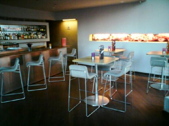 B-Hotel: Bar
