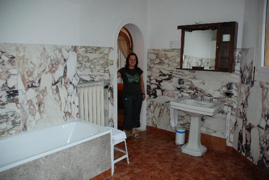 Villa Albertina: lovely huge bathroom
