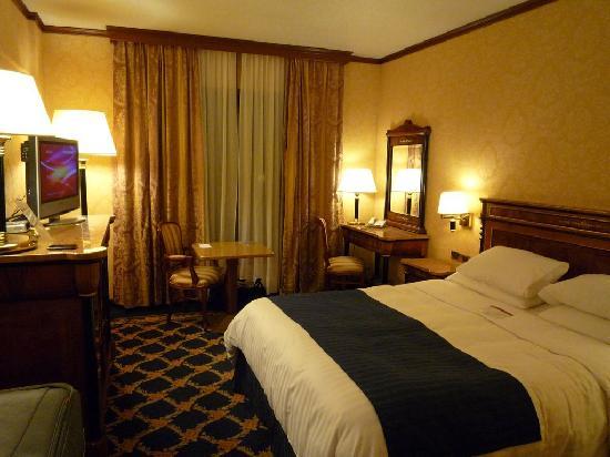 Bedroom picture of milan marriott hotel milan tripadvisor for Hotel milan
