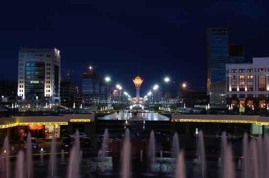 Astana, Kazachstan: Night city