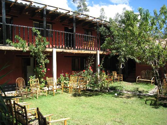 Hotel Las Orquideas: courtyard